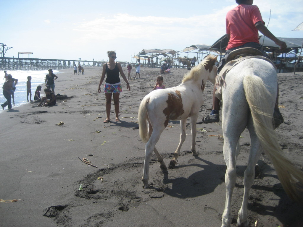 SISAI weekend excursin to the coast of Guatemala